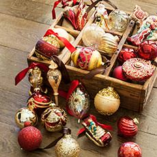 Christmas Tree Baubles and Trim